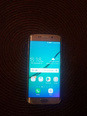 Samsung s6 edge unlocked to any carrier for Sale in Laurel, MD