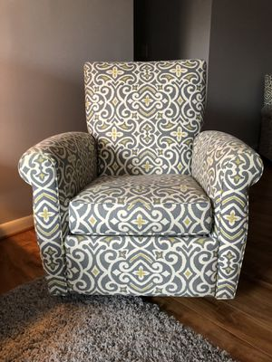 Swivel Recliner - Set of 2 for Sale in Alexandria, VA