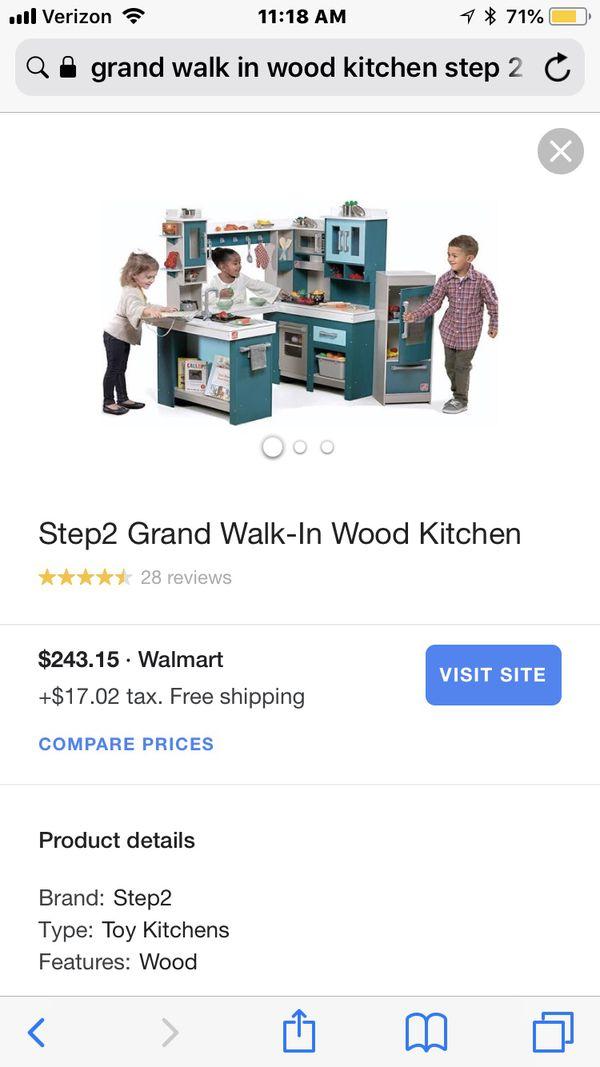 Step2 grand walk-in wood kitchen for Sale in Cincinnati, OH - OfferUp