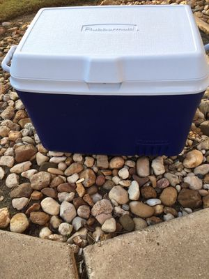 Rubbermaid Icechest for Sale in Austin, TX