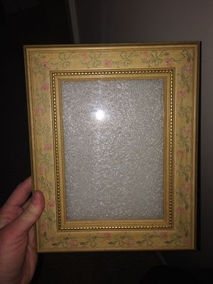Adorable Vintage Yellow Picture Frame for Sale in Chantilly, VA