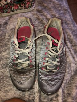 Nike tennis shoes Thumbnail