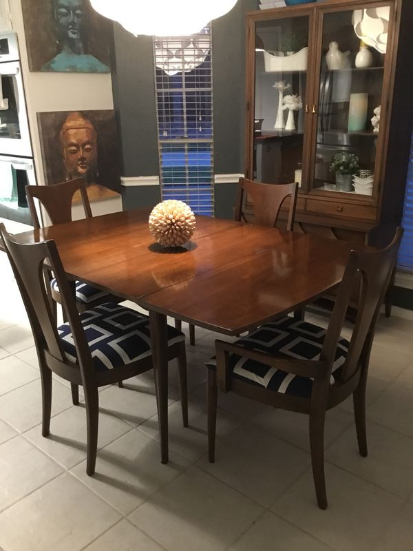 67880691a888 Mid Century Broyhill Brasilia dining table for Sale in Houston