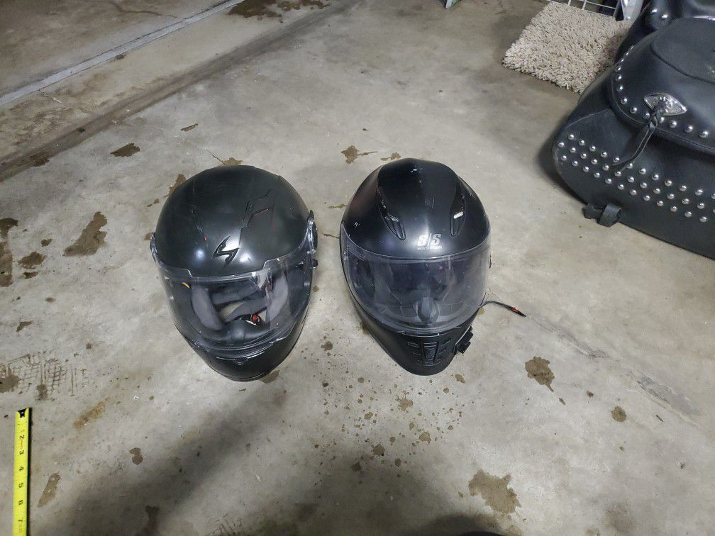 Photo 2 Motorcycle Helmets, Small , Scorpion Exo Speed And Strength Brands.