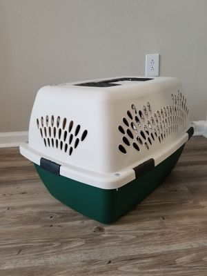Small Dog carrying crate for Sale in Tampa, FL