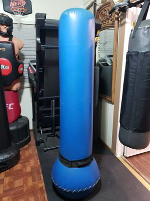 PRO Boxing Free standing Punching Bag. Ready to practice MMA,Karate,Moui thai,Boxing,Taekwondo etc. Good Condition No Rips or tears. Great for Workout for Sale in Los Angeles, CA