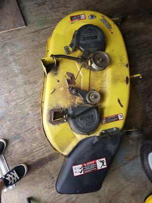 Photo 42 inch John Deere mower deck.