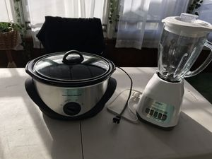 Brand New Hamilton Beach slow cooker and Oster Duralast Classic High speed blender for Sale in Brooklyn, NY