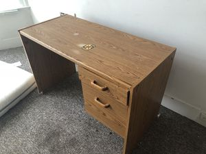 Study desk for Sale in Pittsburgh, PA