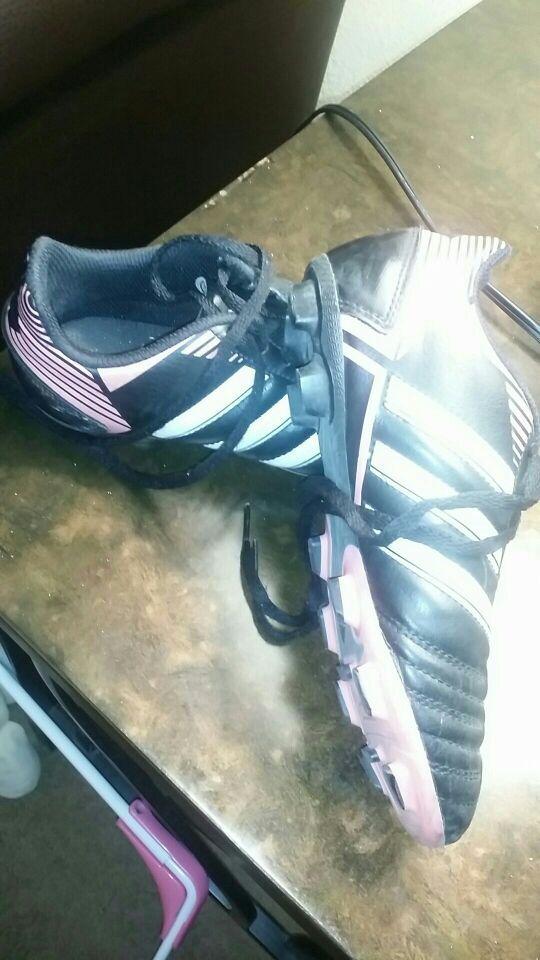 54a4ba4c5fead Soccer shoes Taquetes de futbol for Sale in Phoenix
