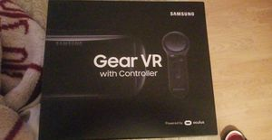 Gear VR with Remote for Sale in Bayonne, NJ