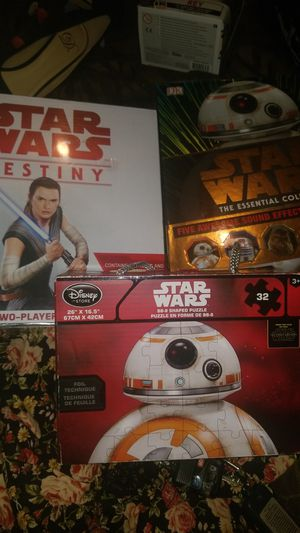 Star wars books, poster, puzzle, two player game for Sale in Long Beach, CA