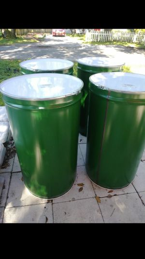 Super clean!! 55 gallon steel drums for Sale in Plant City, FL