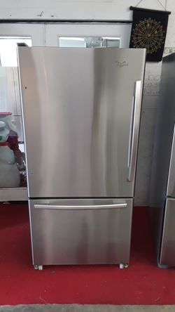 18 cubic foot bottom freezer Whirlpool stainless steel with ice maker Thumbnail