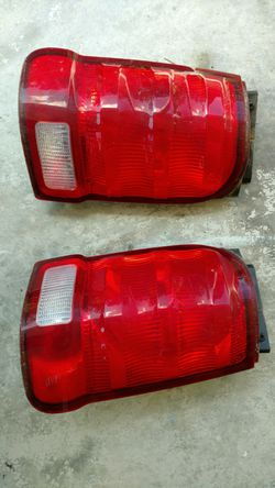 02 Explorer sport tail lights stock complete ready to plug in and use Thumbnail