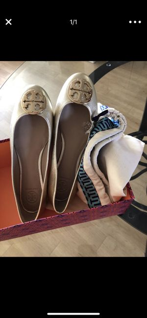 953f36d9beb Tory Burch golden shoes size 7.5 for Sale in Redwood City