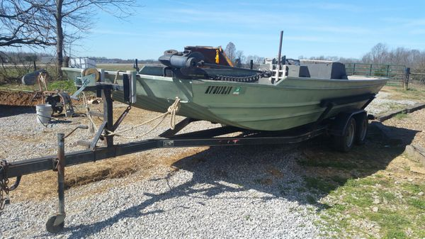 2070 cl Weld-Craft commercial jon boat for Sale in Marion, KY