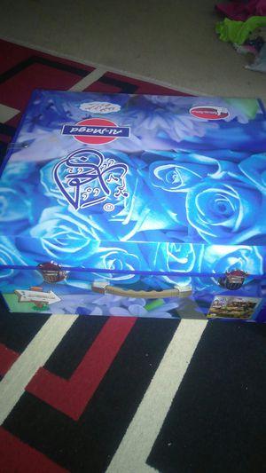 5-piece cold blanket set includes folder for Sale in Alexandria, VA