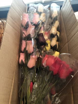 Thousands Of Wooden Roses & Supplies for Sale in Kearneysville, WV