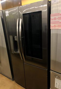 LG Refrigerator with instaview Thumbnail