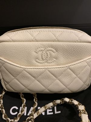 514bc0ef014d Authentic CHANEL off white camera bag crossbody strap for Sale in Irvine, CA