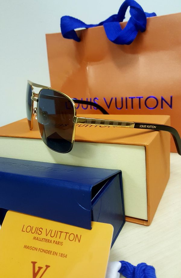4f35e73261 100% Authentic Louis Vuitton Attitude Gold Metal Aviator Pilot Sunglasses ( Comes With Everything)
