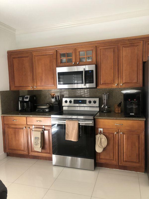 Kitchen cabinets & granite for sale for Sale in Miami, FL ...