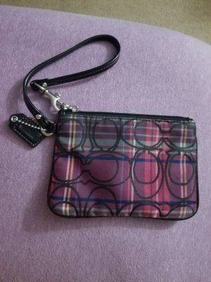 Authentic couch wristlet.. for Sale in Auburn, WA