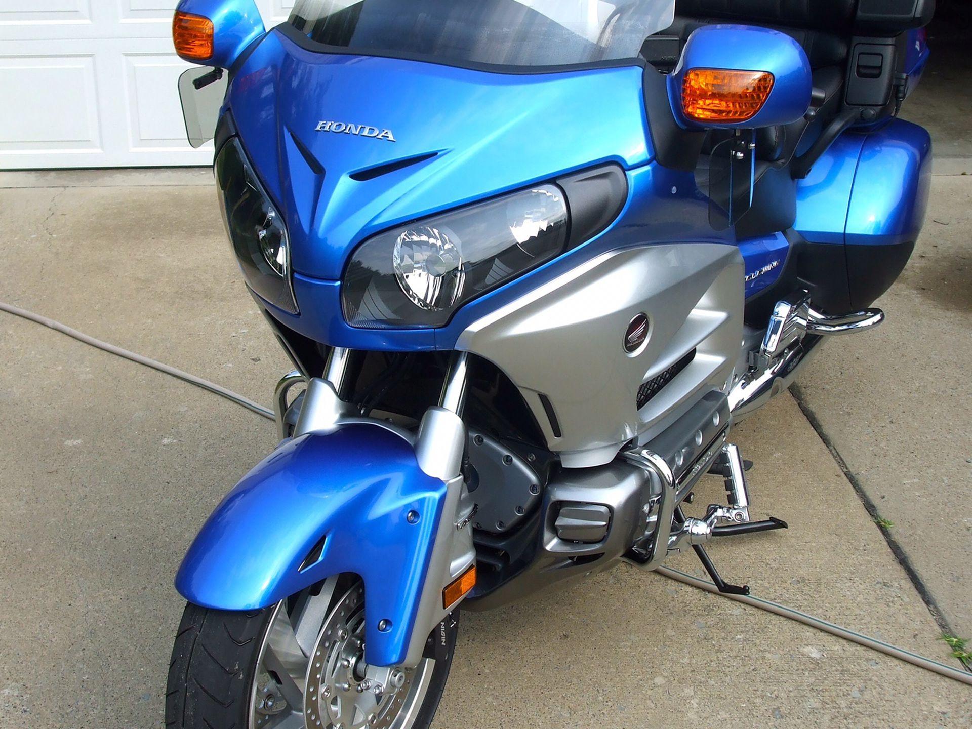 Photo 2012 Honda GL 1800 Goldwing Antilock brakes heated grips and seat XM and satellite GPS