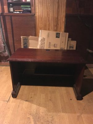 Beautiful Mahogany Executive Desk for Sale in Cleveland, OH