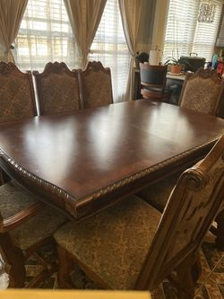 Beautiful China Cabinet With 8 Chairs/w Leaf Thumbnail
