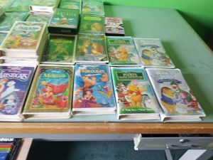 Photo 98 Disney VHS tapes