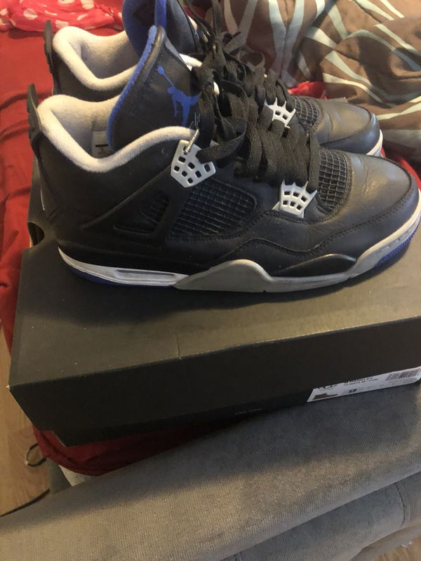 wholesale dealer 029a4 f04c6 ROYAL BLUE N BLACK RETRO 4s SIZE 9 for Sale in Lansing, IL - OfferUp