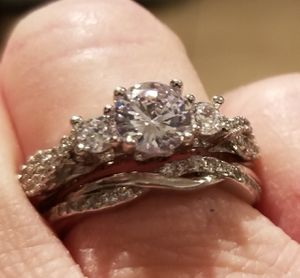 Cz wedding set.... size 7 for Sale in Riverside, CA