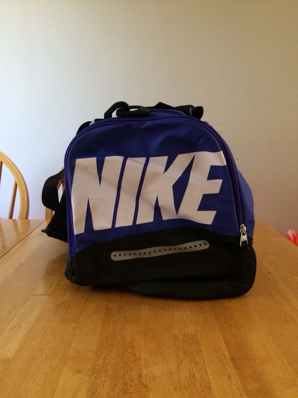 2fd5719754 Brand new Nike team training max air duffel bag medium gym (Sports    Outdoors) in La Mesa