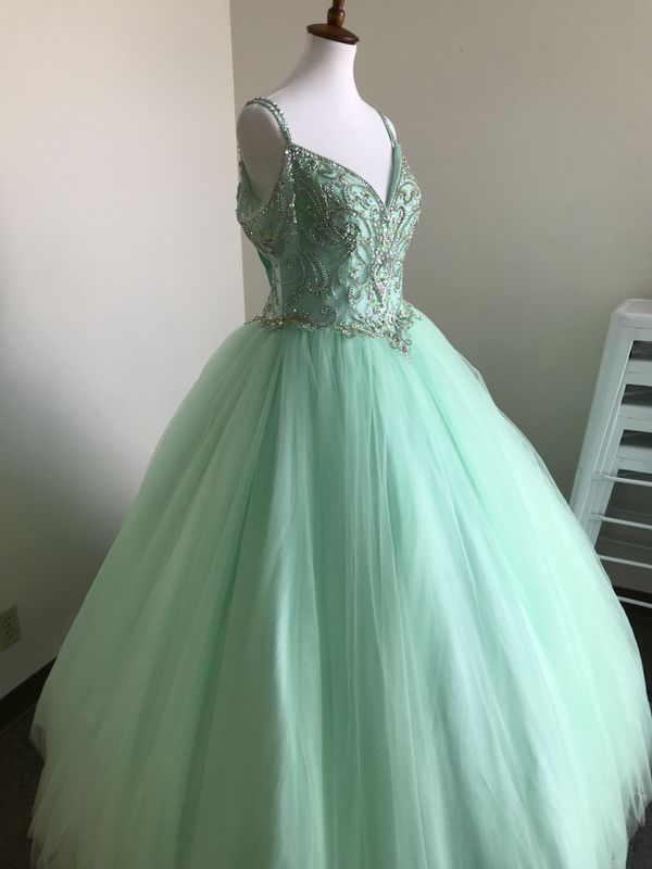 aebe58f01e New and Used Quinceanera dress for Sale in Carlsbad