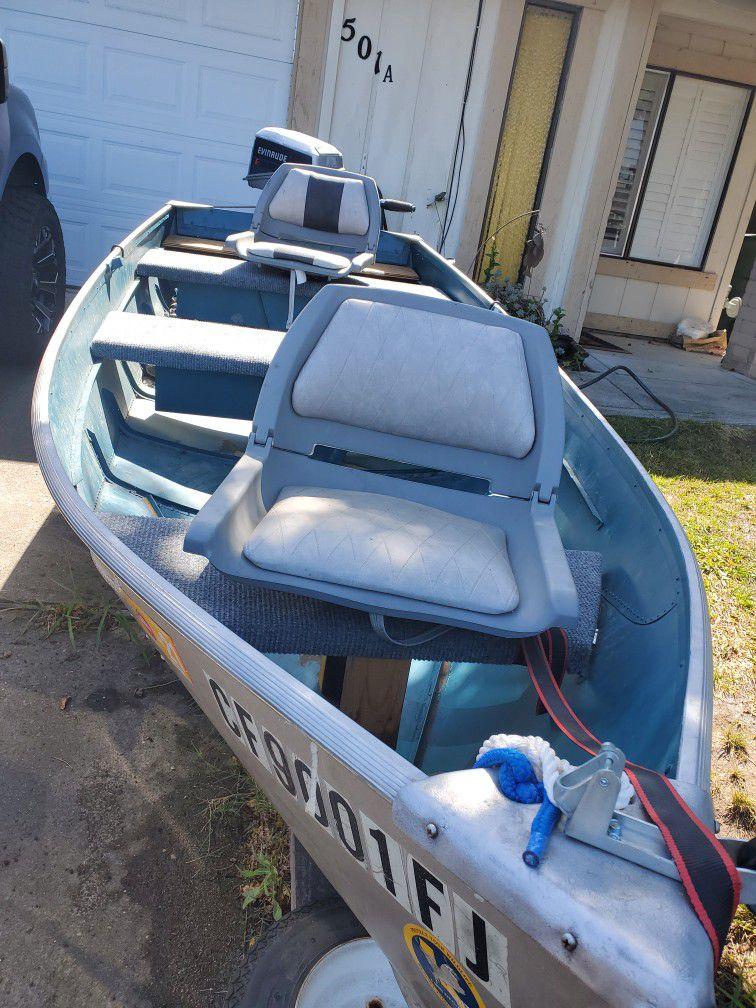 Photo 12 Ft Aluminum Fishing Boat