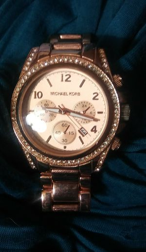 Michael Kors woman's. rose Gold Watch for Sale in Mesa, AZ