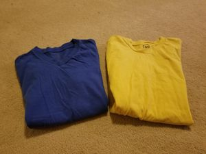2 tee shirts Size s/p Kids Preowned for Sale in Germantown, MD