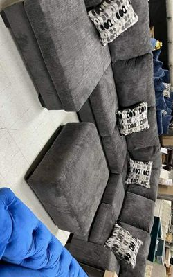 Ballinasloe Sectional & couch living room set & IN STOCK Thumbnail