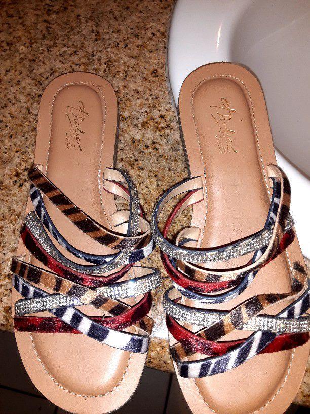 Women's sandals Size 7.5