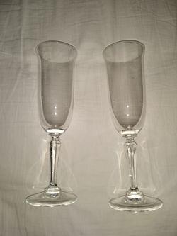 $10 Crystal Champagne Flutes (2) Thumbnail