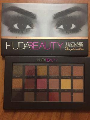 HUDA Beauty eye shadow palette for Sale in Germantown, MD