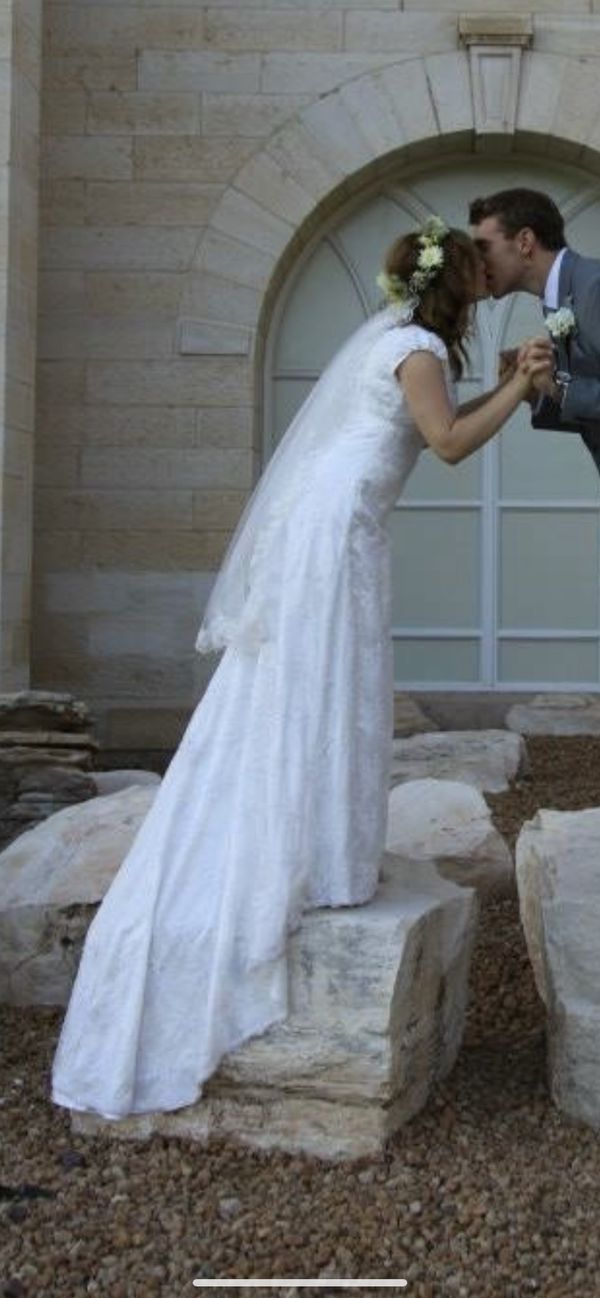 5e73e163713 New and Used Wedding dress for Sale in Mesa