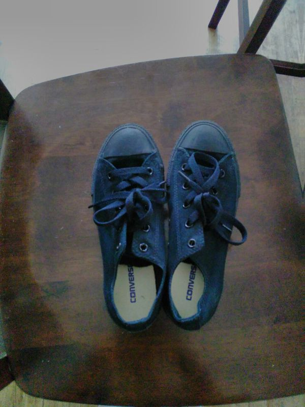 40db01f536600c Converse shoes Size 3 in kids (Clothing   Shoes) in San Diego