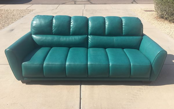 New Abbyson Top Grain Leather Sofa / Couch for Sale in Phoenix, AZ - OfferUp