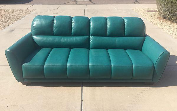 New Abbyson Top Grain Leather Sofa / Couch for Sale in Phoenix, AZ ...