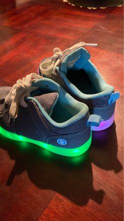 Kids light up shoes like new Thumbnail