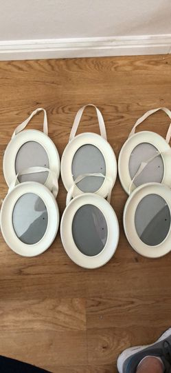 Oval picture frames Thumbnail