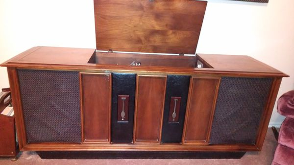 Mid Century 60's RCA Stereo Console for Sale in Oklahoma City, OK - OfferUp